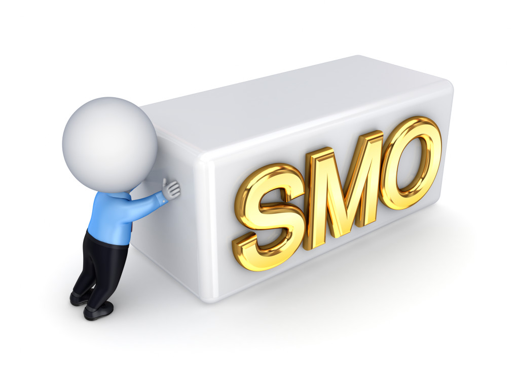 3d small person pushing a word SMO.